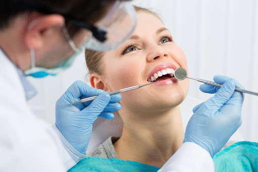 Stomatologia estetyczna toruń implanty licówki wybielanie zębów